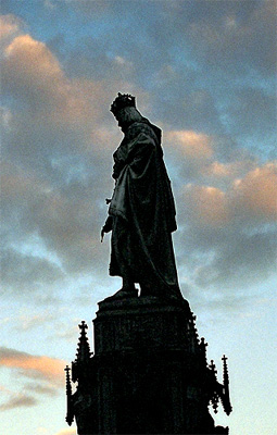 Statue of a king near Charles Bridge in Prague.  Drop me a line if you know the proper name of this statue and/or person. (2003)