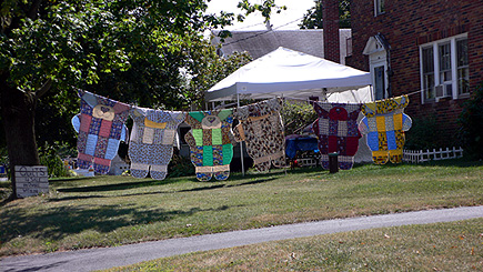 Teddy bear quilts in Chambersburg, PA.  (August, 2006)